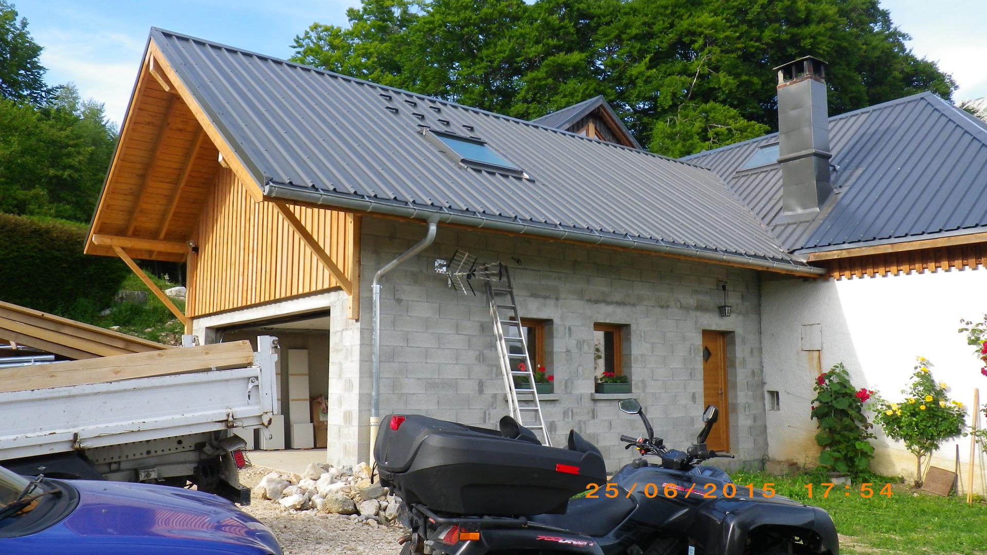 Couvreur charpente et couverture le grand lemps avant for Garage saint jean de bournay